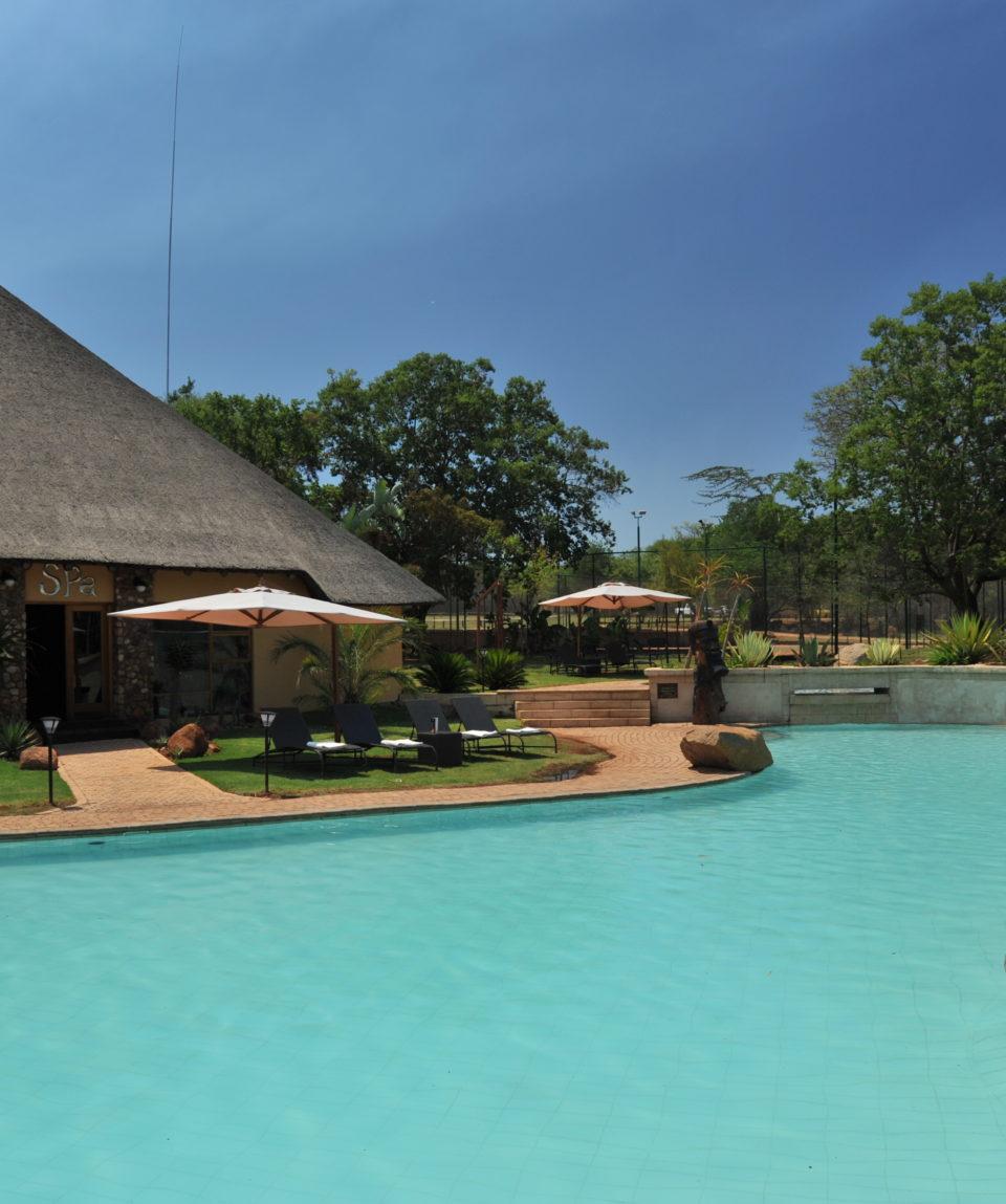 Mabula Game Lodge - Pool and Spa Area